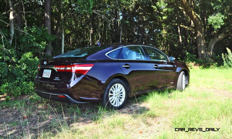 Road Test Review - 2015 Toyota Avalon Hybrid 9
