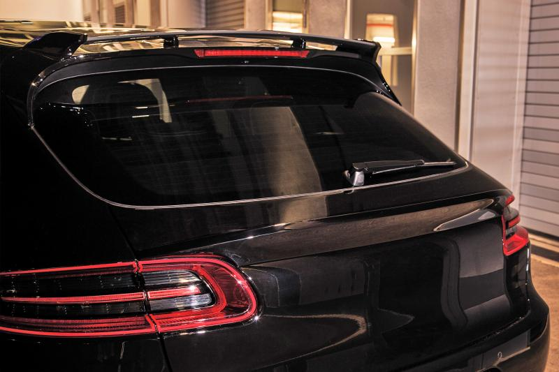 TECHART_for_Porsche_Macan_roof_spoiler