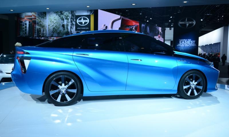 Toyota FCV CONCEPT 8