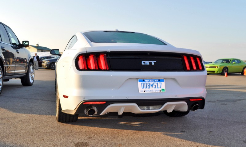 Track Test Review - 2015 Ford Mustang GT in 4K Video 15