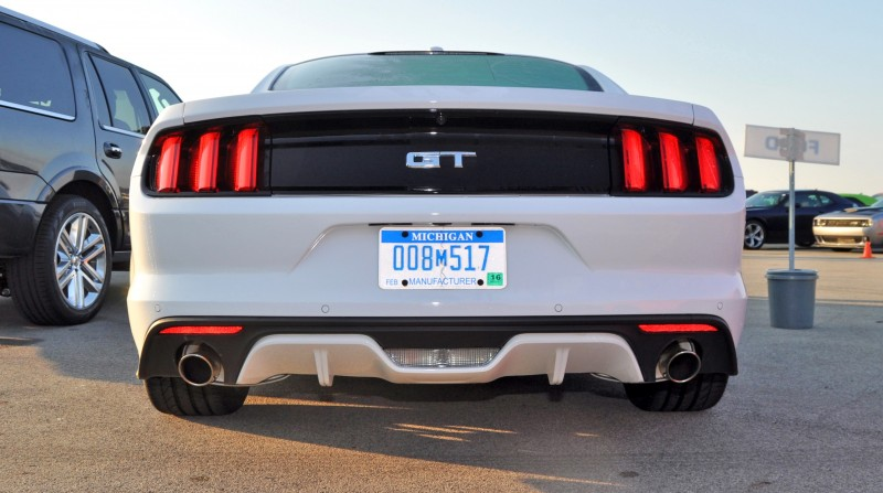 Track Test Review - 2015 Ford Mustang GT in 4K Video 19