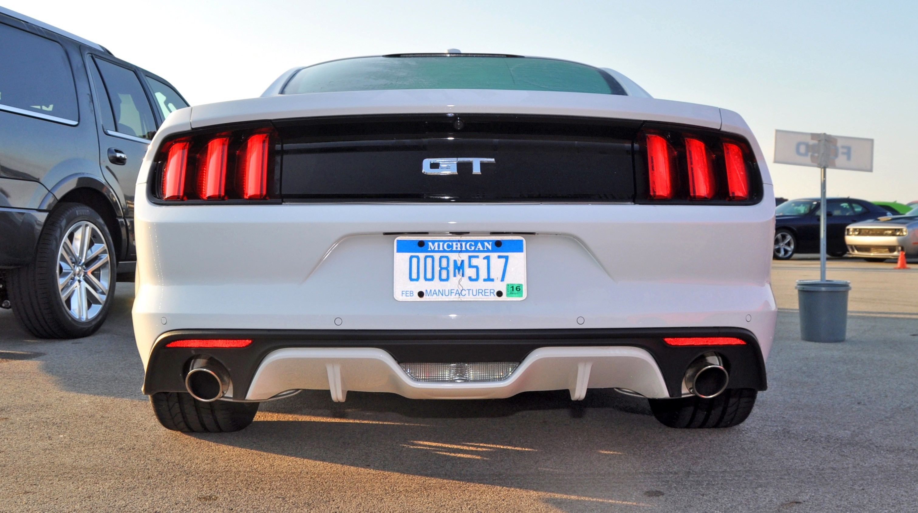 track test review 2015 ford mustang gt in 4k video 19 - Ford Mustang Gt 2015 White