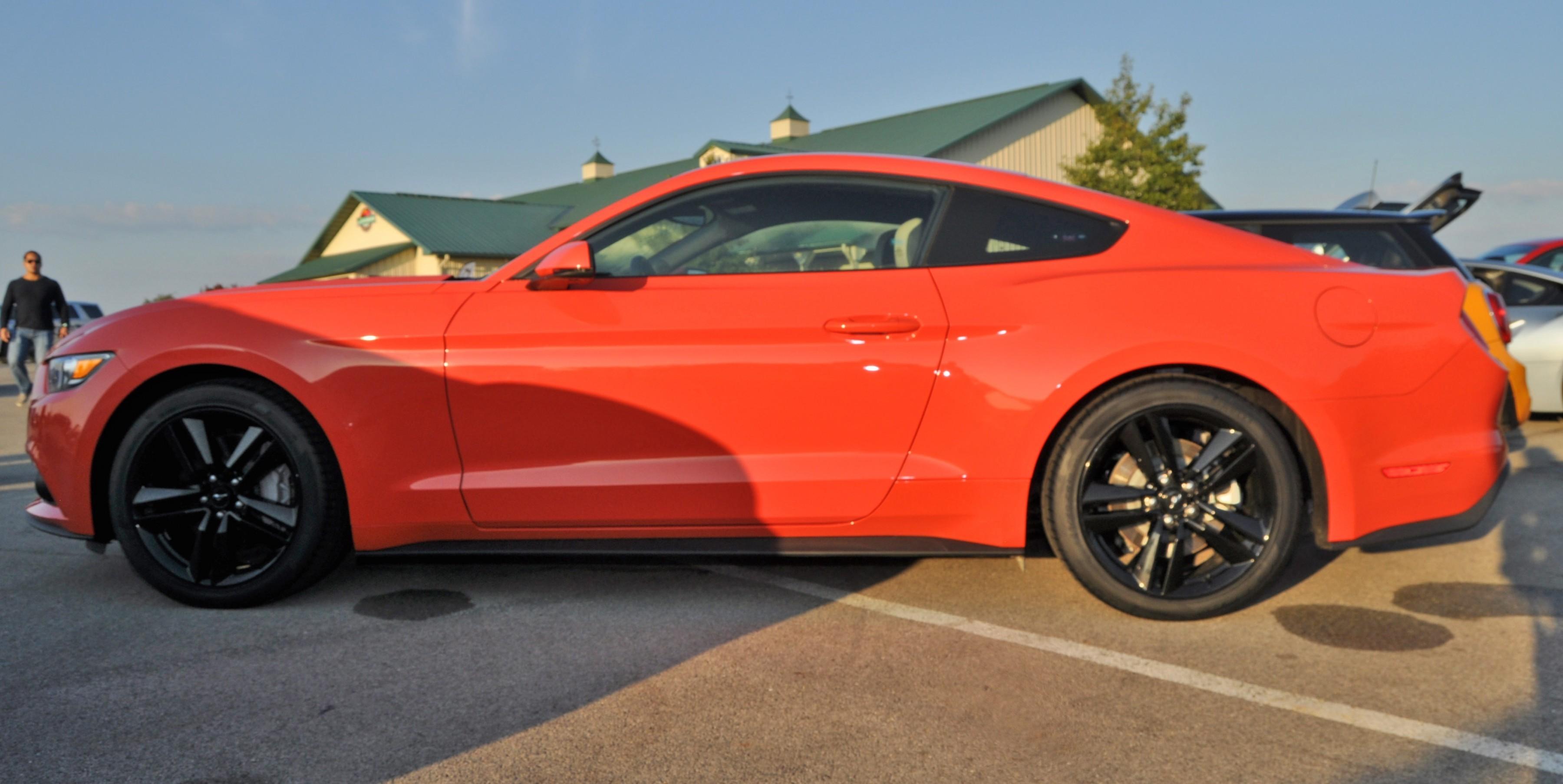 track test review - 2015 ford mustang gt in 4k video 21