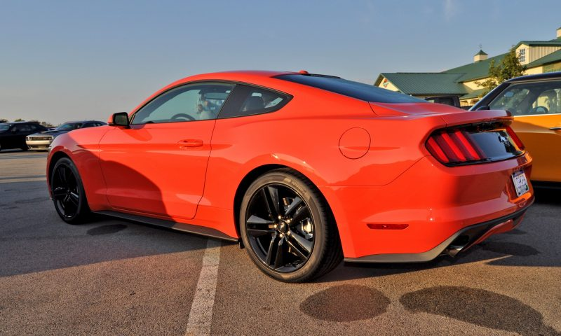 Track Test Review - 2015 Ford Mustang GT in 4K Video 22