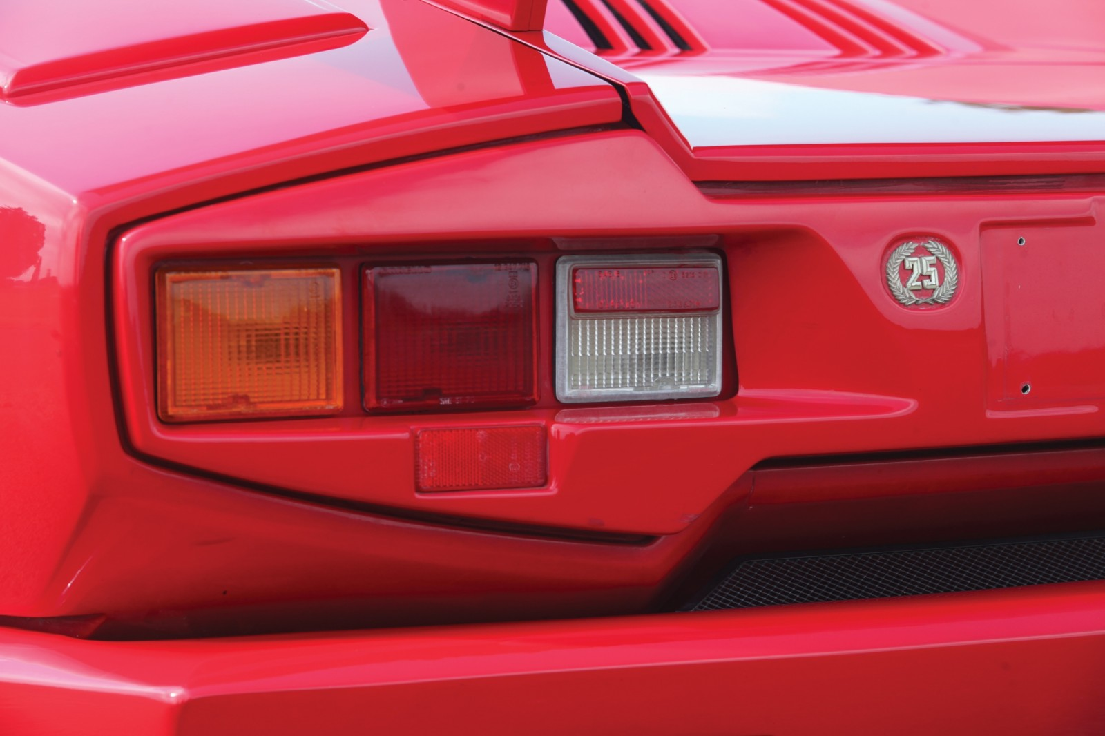 1990 Lamborghini Countach 25th Anniversary Edition 12