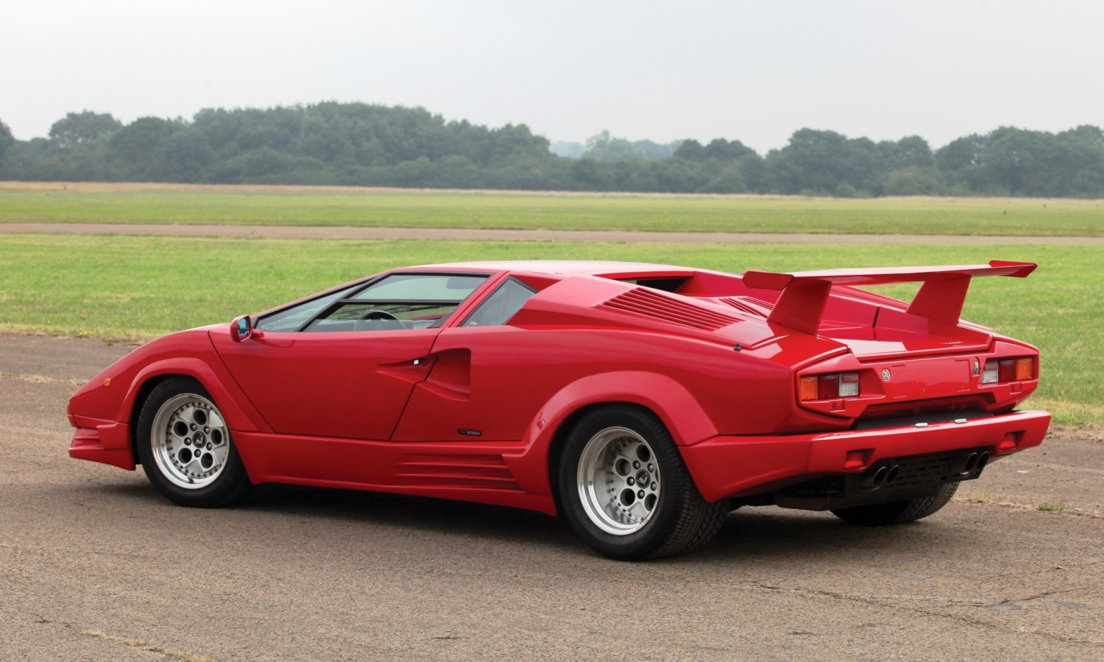 1990 Lamborghini Countach 25th Anniversary Edition 2