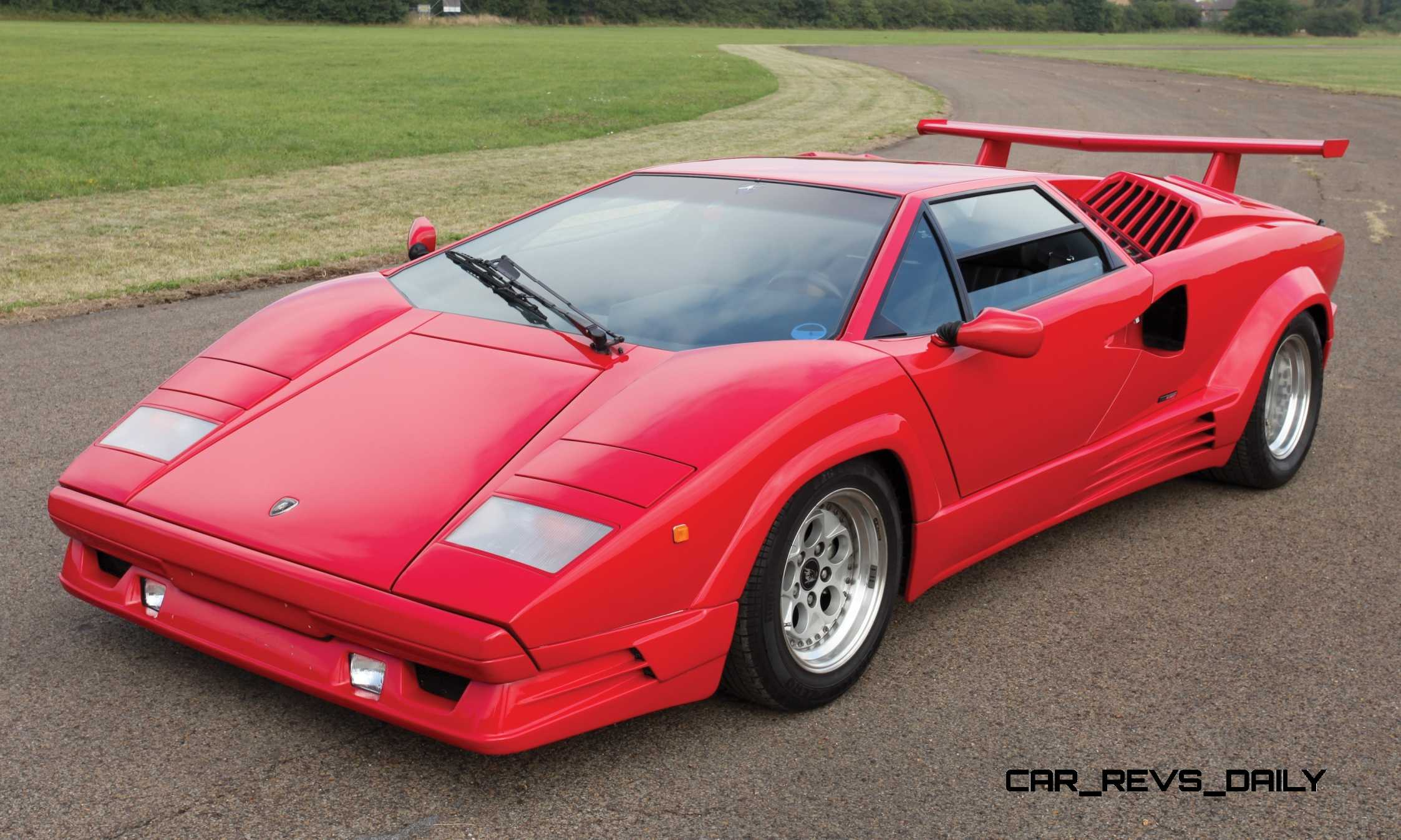 1990 Lamborghini Countach 25th Anniversary Edition Brings