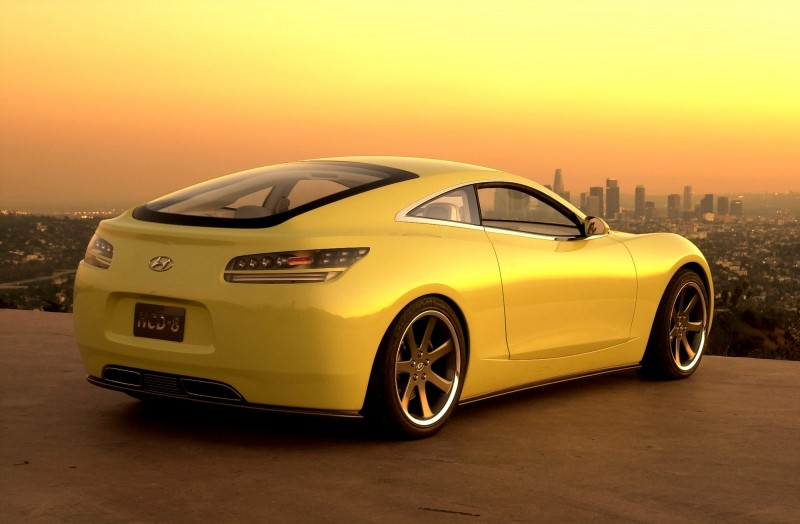 2004 Hyundai HCD-8 Sports Tourer Concept 16
