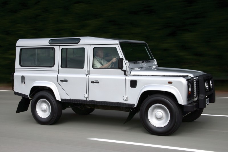 2011 Land Rover DC100 Sport 20