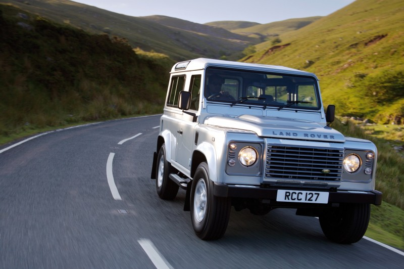 2011 Land Rover DC100 Sport 21