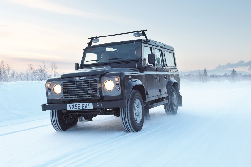 2011 Land Rover DC100 Sport 23