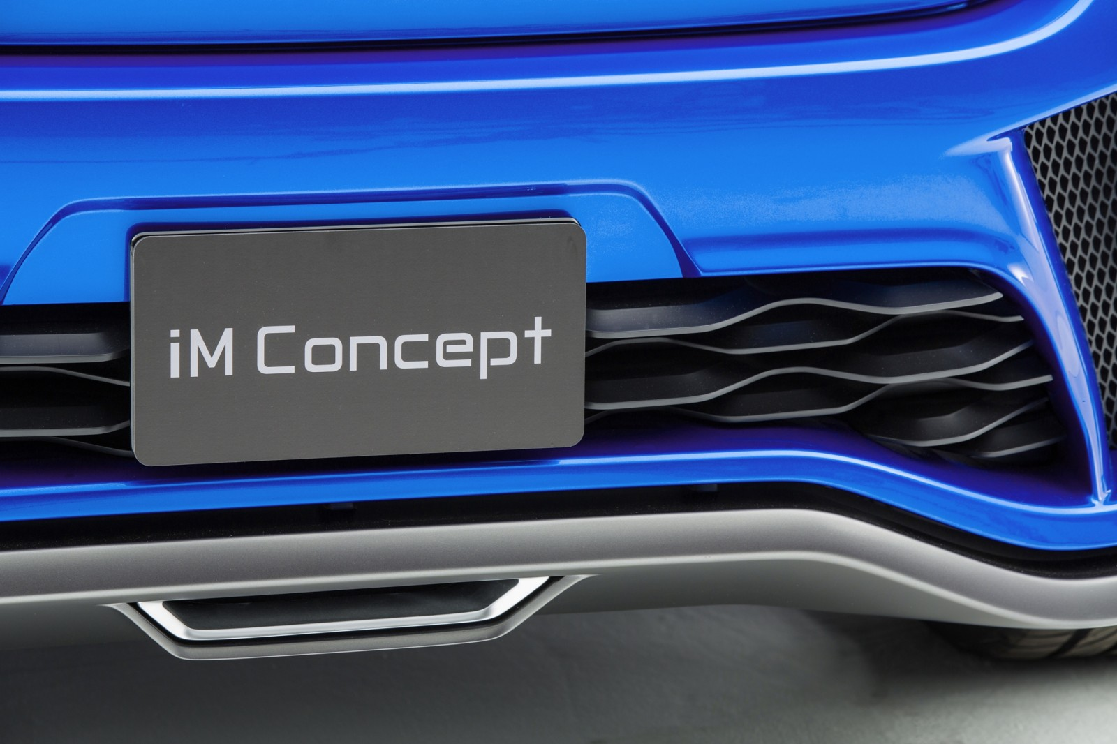 2014 Scion iM Concept Heading for US Showrooms in Summer 2015 13