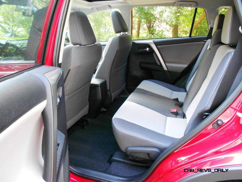 2014 Toyota RAV4 XLE AWD 4