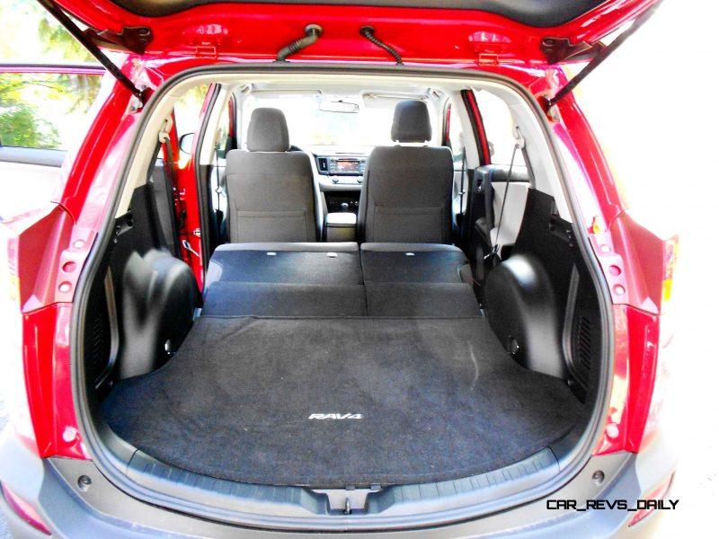 2014 Toyota RAV4 XLE AWD 9