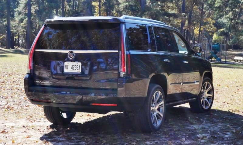 2015 Cadillac Escalade Luxury AWD 27