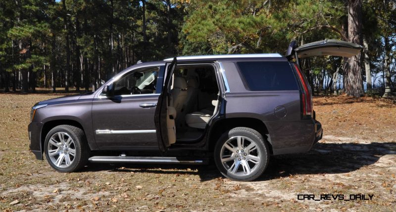 2015 Cadillac Escalade Luxury AWD 35