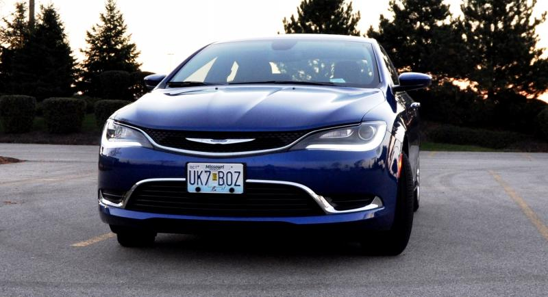 2015 Chrysler 200 Limited 1