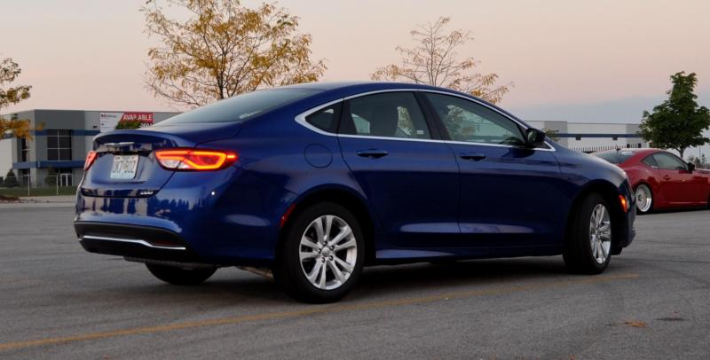 2015 Chrysler 200 Limited 10