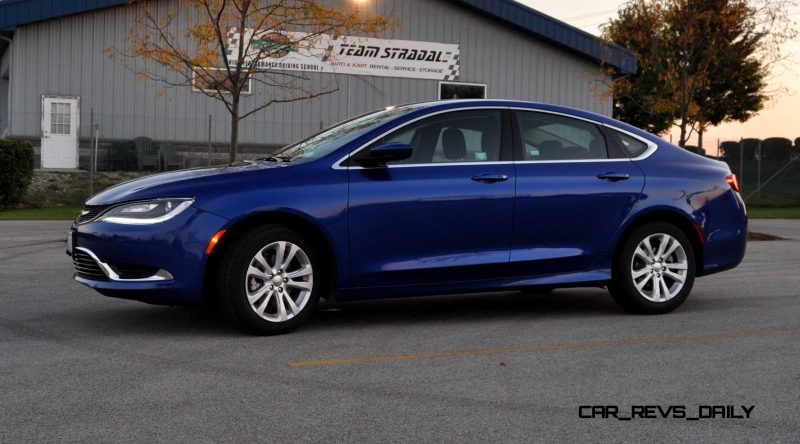 2015 Chrysler 200 Limited 17