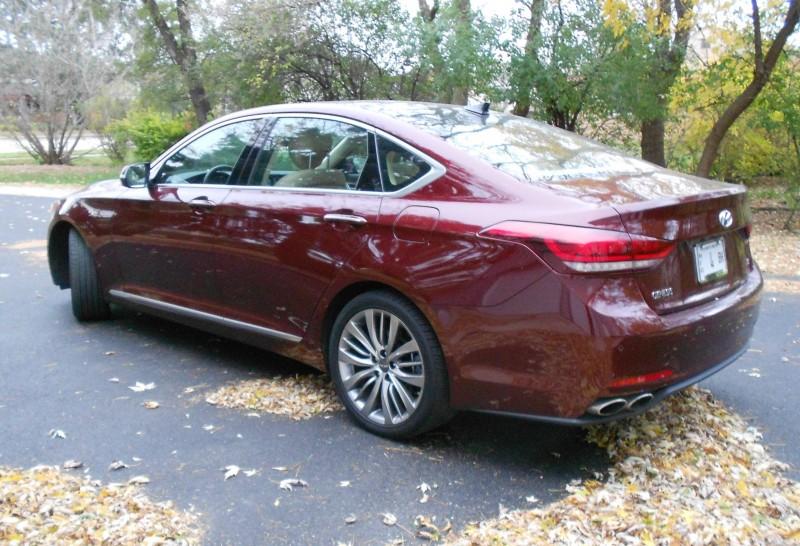 2015 Hyundai Genesis 5.0 Review 3