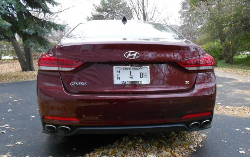 2015 Hyundai Genesis 5.0 Review 4