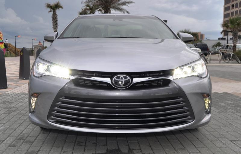 2015 Toyota Camry XLE V6 12