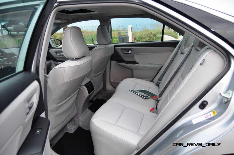 2015 Toyota Camry XLE V6 16
