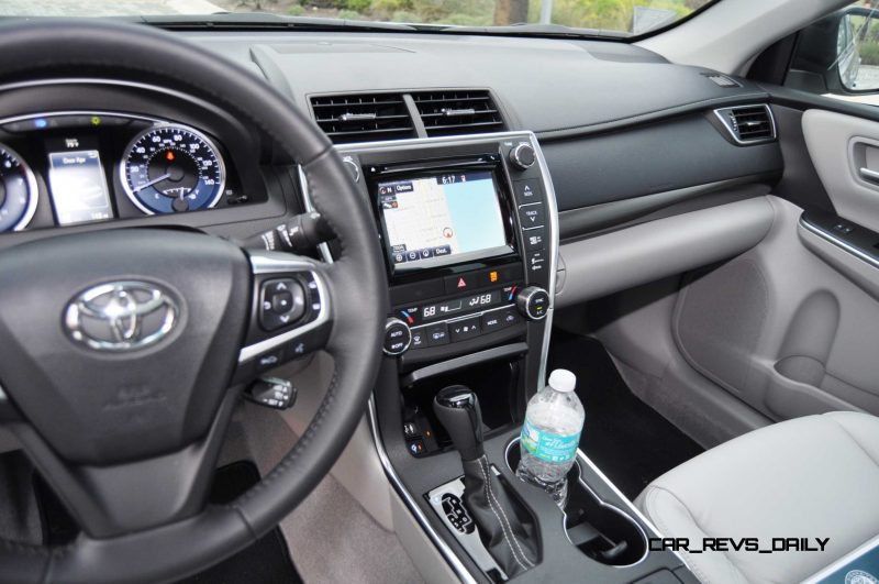 2015 Toyota Camry XLE V6 17