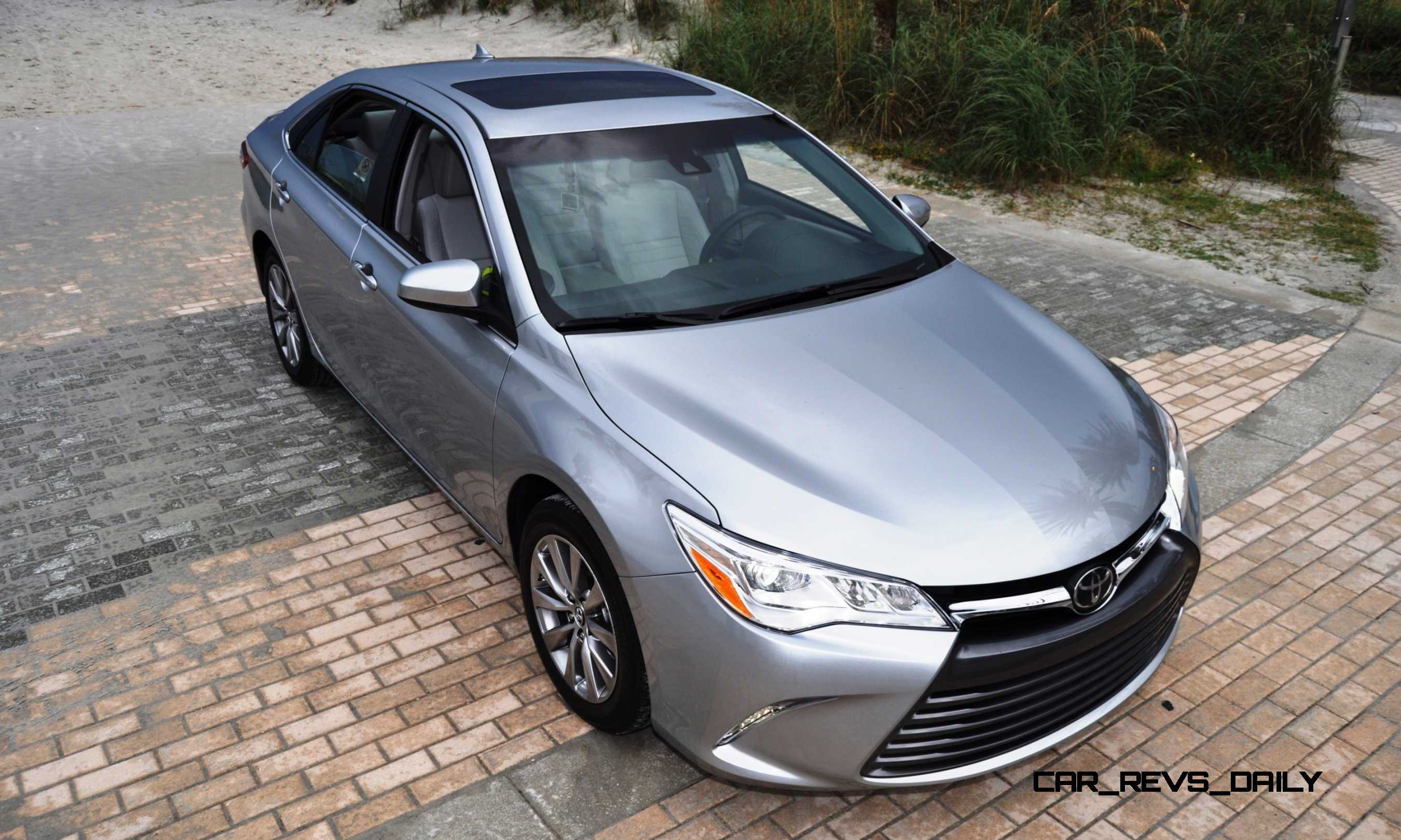 road test review 2015 toyota camry le and xle v6. Black Bedroom Furniture Sets. Home Design Ideas