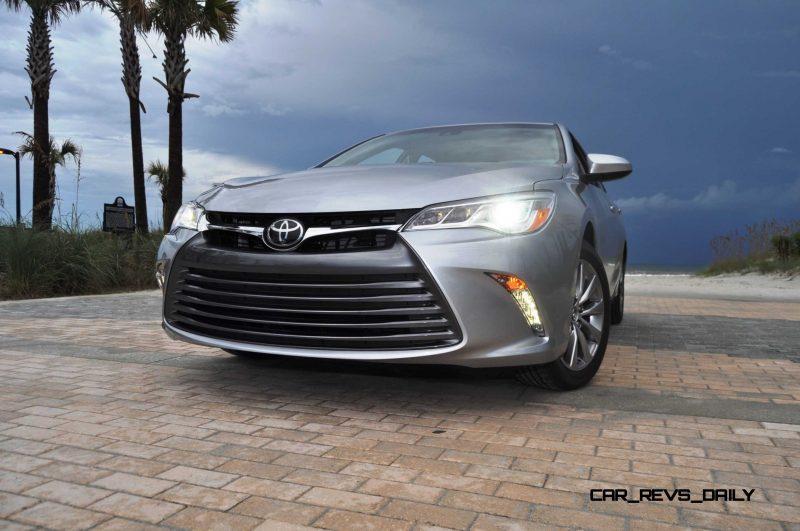 2015 Toyota Camry XLE V6 43