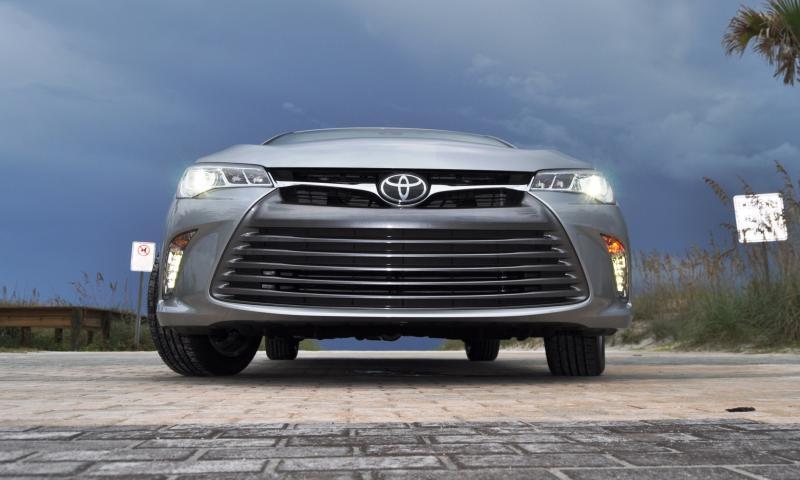2015 Toyota Camry XLE V6 44