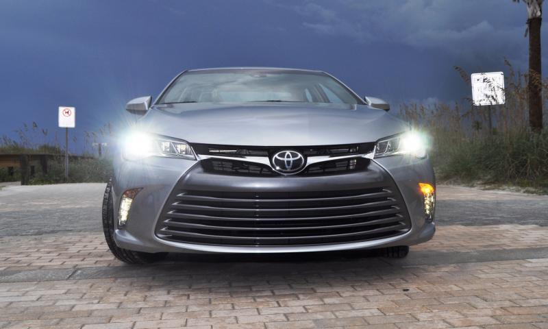 2015 Toyota Camry XLE V6 46