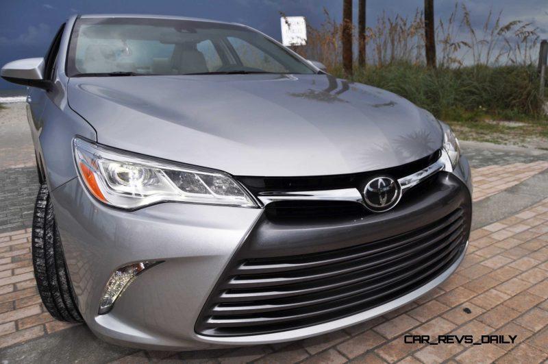 2015 Toyota Camry XLE V6 47
