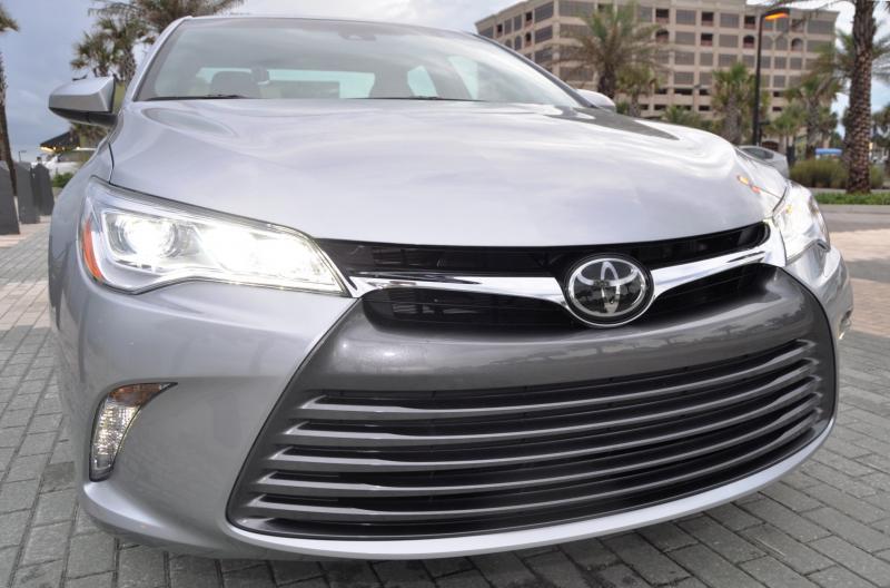 2015 Toyota Camry XLE V6 9