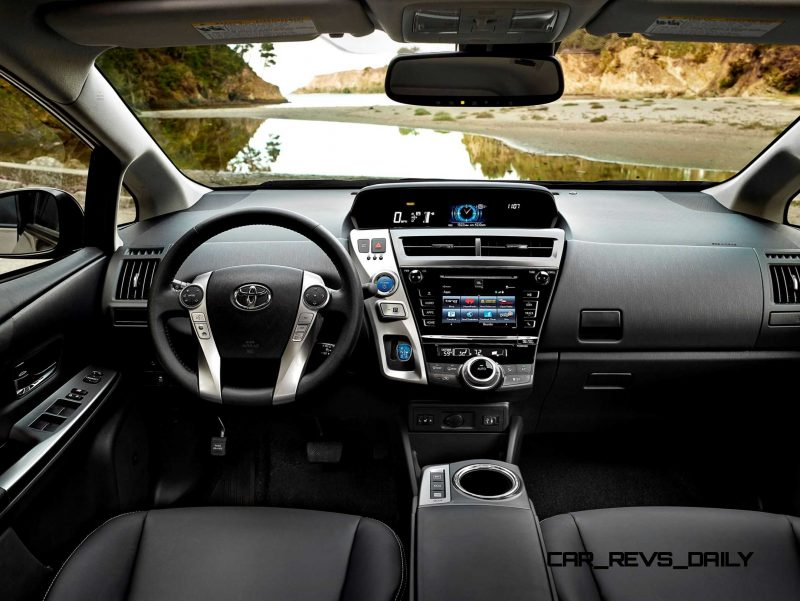 2015 Toyota Prius V 10
