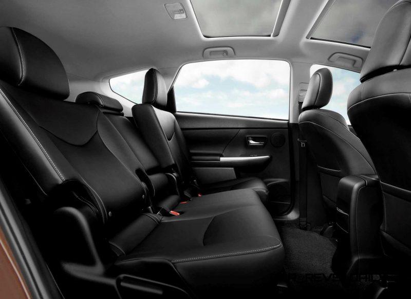 2015 Toyota Prius V 3