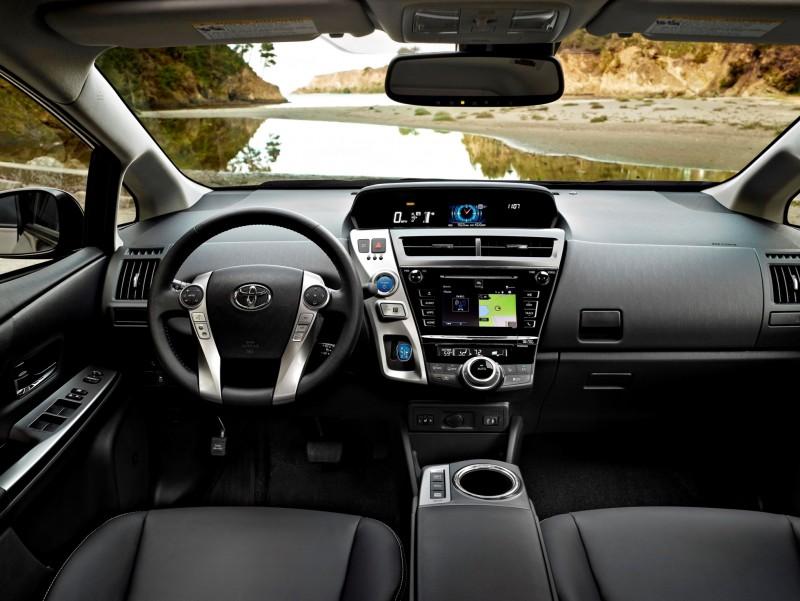 2015 Toyota Prius V 4