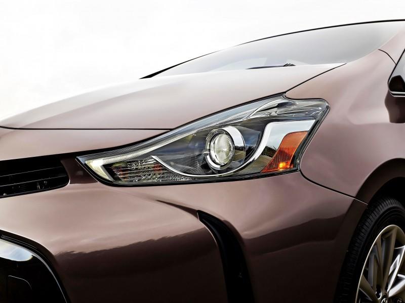 2015 Toyota Prius V 9