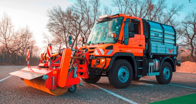2015 Unimog U218 and U423 Upfit Showcase 105