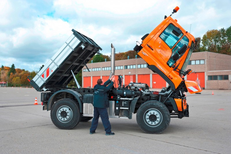 2015 Unimog U218 and U423 Upfit Showcase 11