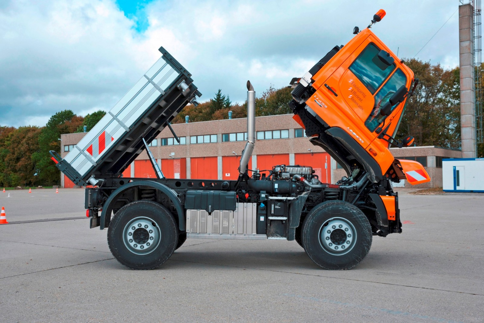 2015 Unimog U218 and U423 Upfit Showcase 12