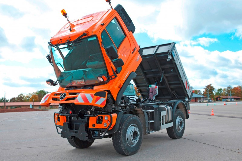 2015 Unimog U218 and U423 Upfit Showcase 14