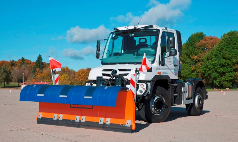 2015 Unimog U218 and U423 Upfit Showcase 23