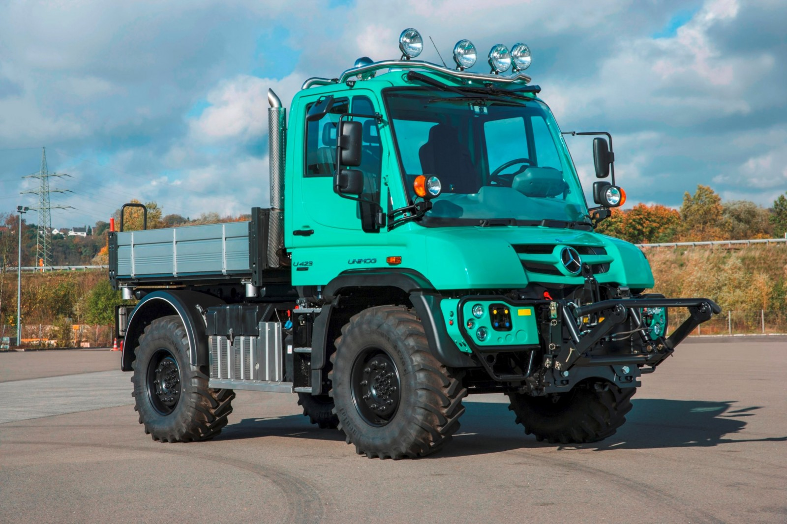 2015 Unimog U218 and U423 Upfit Showcase 39