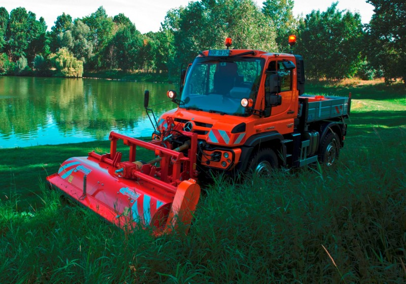 2015 Unimog U218 and U423 Upfit Showcase 42