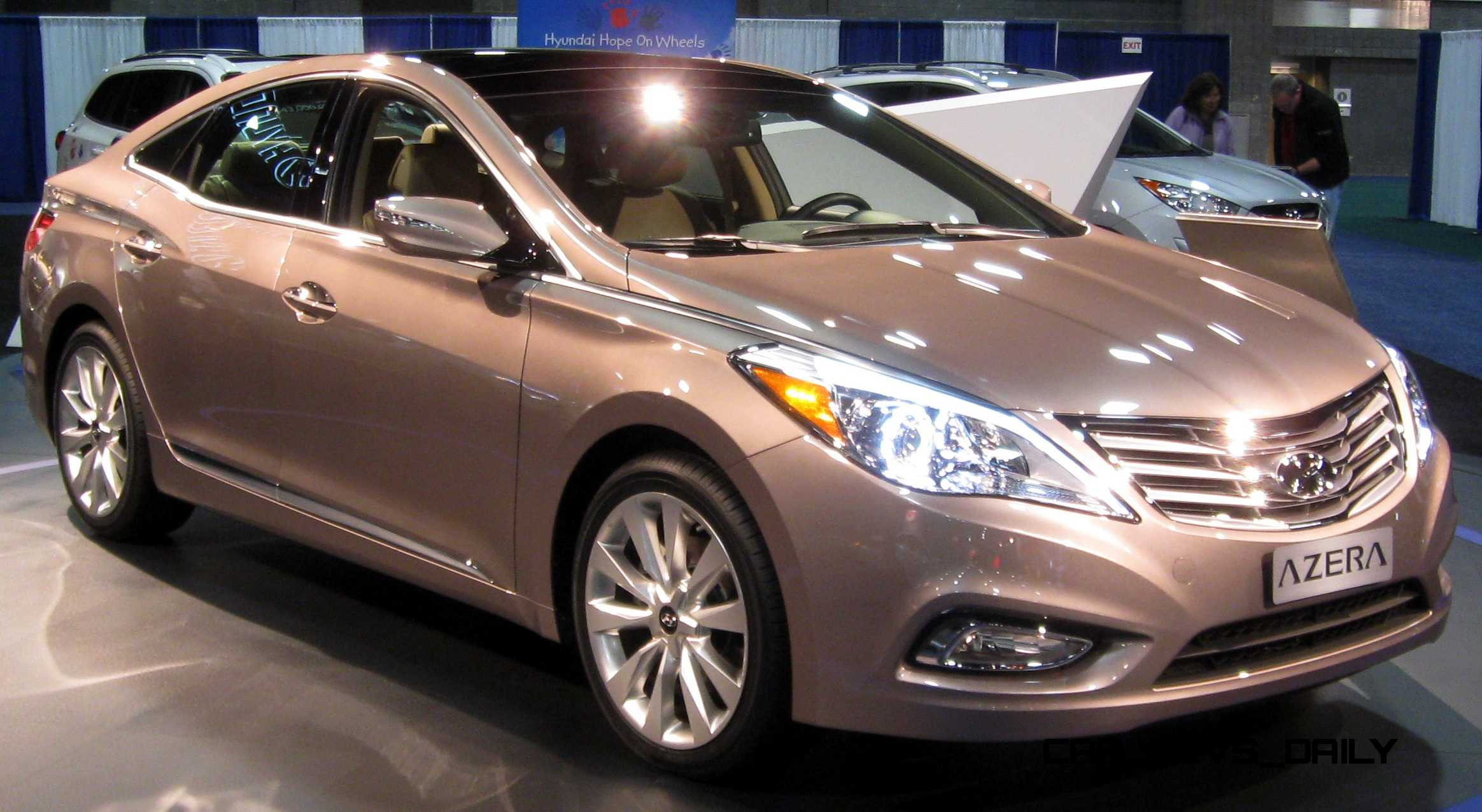 2015 Hyundai Azera First Look At Miami Auto Show