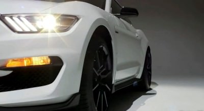 2016 SHELBY GT350 Mustang White 34