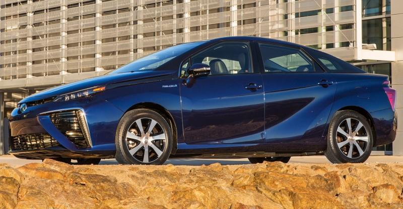 2016 Toyota Mirai 27