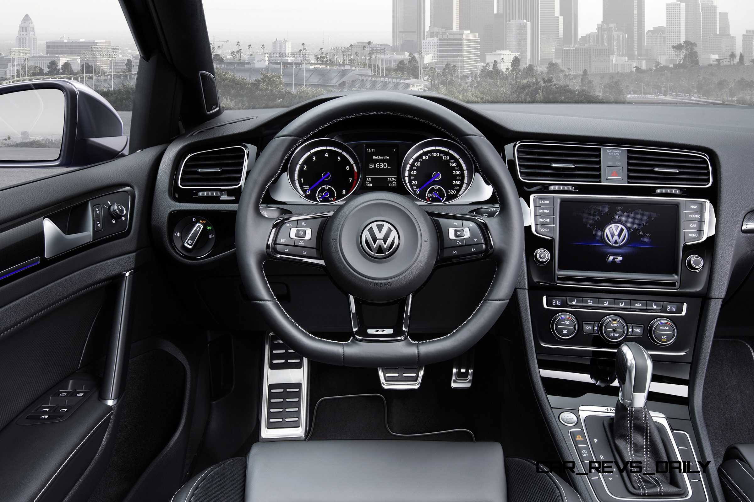 2016 volkswagen golf r sportwagen la debut huge tease or. Black Bedroom Furniture Sets. Home Design Ideas