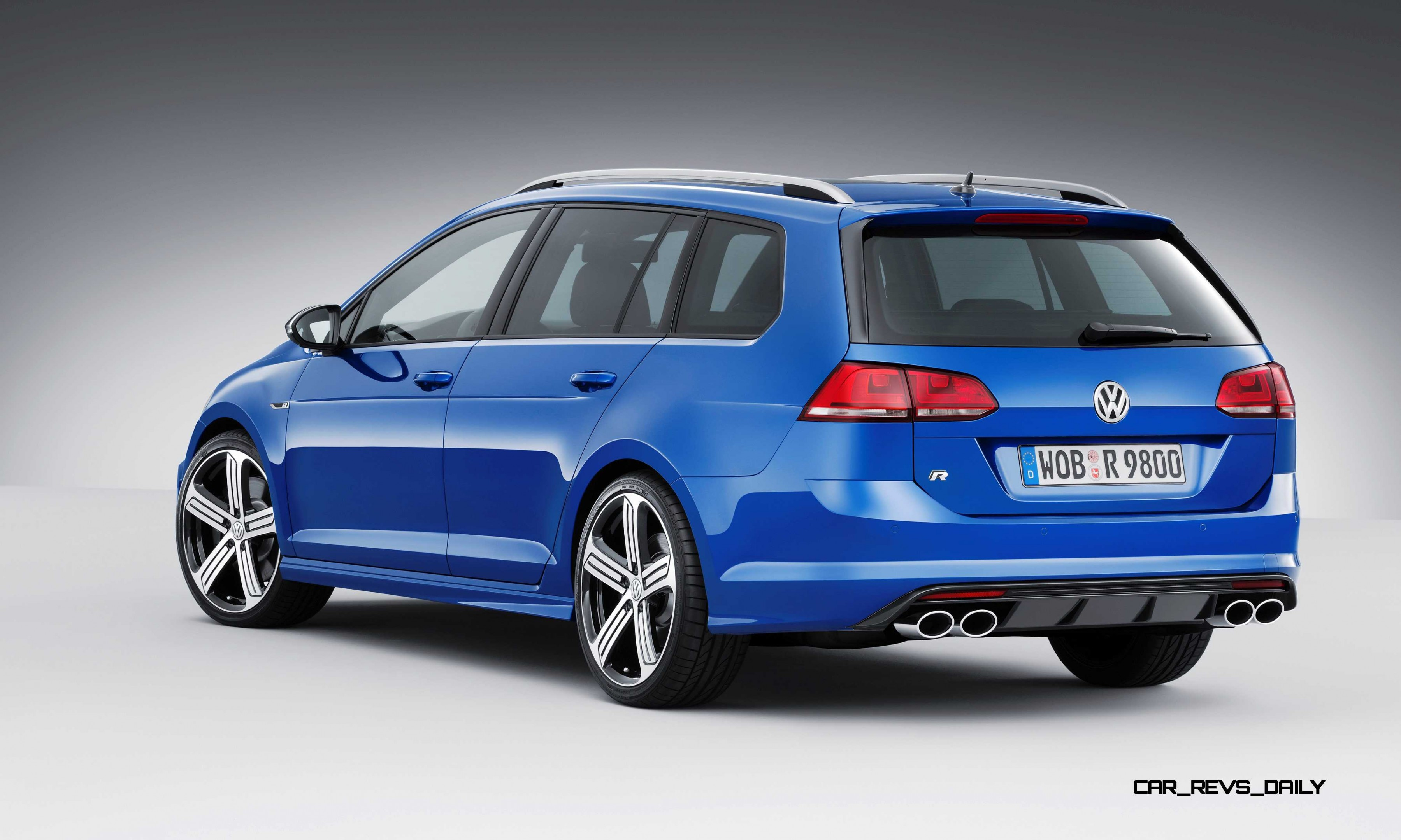 2016 Volkswagen Golf R Sportwagen La Debut Huge Tease Or